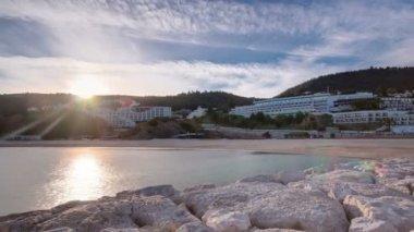 Sunset at the Atlantic Ocean, Bay of Sesimbra, Portugal timelapse — Stock Video