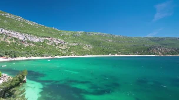 Beach bay in Portinho da Arrabida, Portugal timelapse — Vidéo