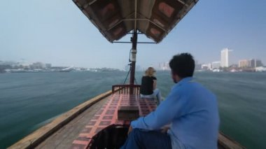 Trip on traditional Abra boat at the creek in Dubai, UAE timelapse — Stock Video