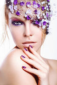 Girl with beauty lilac make up — Stock Photo