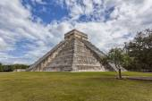 Mexico, Chichen Itza, Pyramid El Castillo - Temple of Kukulcan — Stock Photo