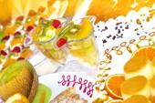 Fruit cocktail and torte — Zdjęcie stockowe