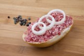 Bread roll with ground beef - Gehacktes-Brötchnen — Stock Photo