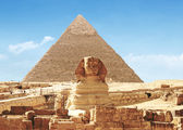 Pyriamid and Great Sphinx of Giza - Egypt — Stock Photo
