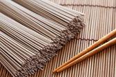 Raw soba noodles — Stock Photo