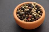 Mixed peppercorns in a bowl — Stock Photo