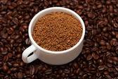 Filiżankę kawy granulek — Zdjęcie stockowe
