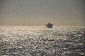 The ship in the ocean — Zdjęcie stockowe