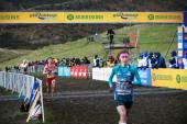 DINBURGH, SCOTLAND, UK, January 10, 2015 - elite athletes compete in the Great Edinburgh Cross Country Run. This Senior Woman's 6k race was won by Emilia Gorecka, GBR. — Stockfoto