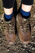 Unrecognisable female hiker wearing hiking boots, Loch Katrine, Highlands, Scotland, UK — Stock Photo