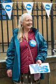 EDINBURGH, SCOTLAND, UK, September 18, 2014 - public expressing their opinion on independence during referendum day in Edinburgh — Stockfoto