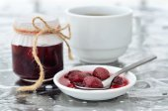 Homemade strawberry mulberry jam  — Stock Photo
