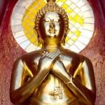 Gold buddha statue mirror background — Stock Photo #62889135