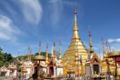 Gold pagoda wat phra borommathat tak  — Stock Photo