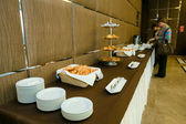 Catering - served table with rolls, buns and croissants — Foto Stock