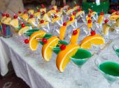 Catering - green alcohol cocktails — Stock Photo