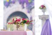 Beautiful flowers bouquets wedding decor — Stock Photo