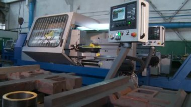 Lathe work on factory — Vídeo Stock