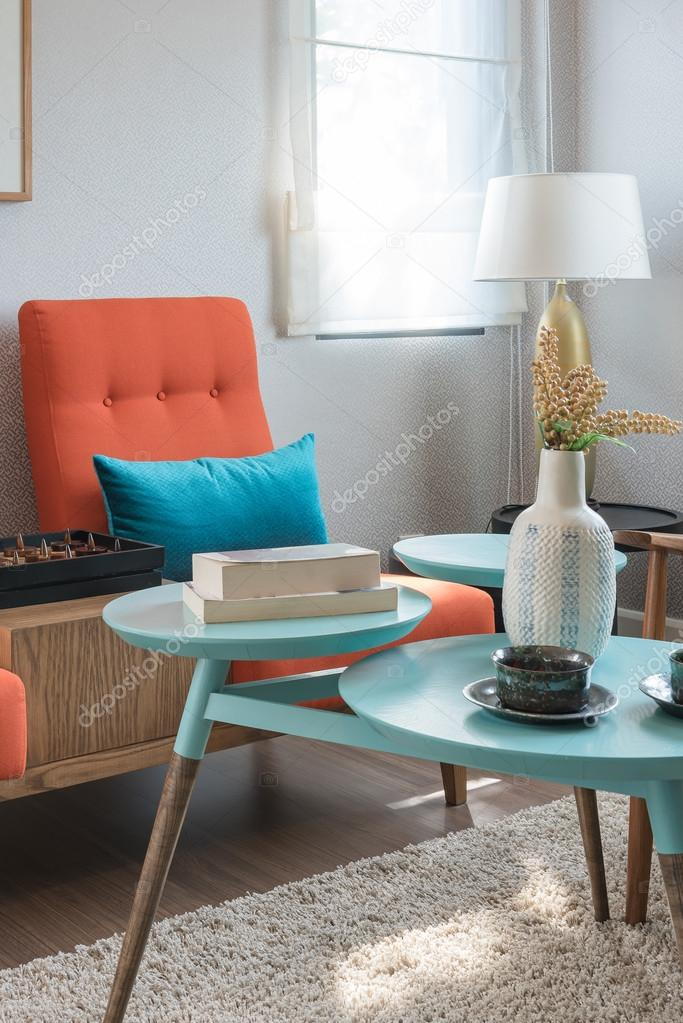 http://st2.depositphotos.com/4221109/11375/i/950/depositphotos_113757388-stock-photo-colorful-pillows-and-round-table.jpg