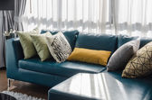 Green sofa in modern living room — 图库照片