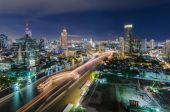 Chaophraya river and Bangkok cityscape — Stock Photo