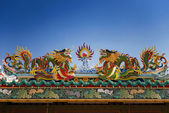 Colorful dragon statue on the roof Chinese temple in Tak Province ,Thailand — Stock Photo