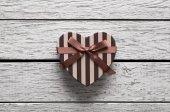 Valentines Day gift box on white wood — Stockfoto