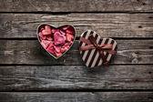 Open heart shaped gift box with hearts — Foto de Stock