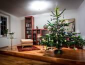 Richly decorated Christmas tree — Stock Photo