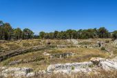 Ruins of ancient Roman amphitheater in Syracuse, Sicily — Stock Photo