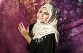 Muslim woman in a traditional dress — Foto Stock