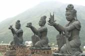 Hong Kong Big Tian Tan Buddha and Po Lin Monastery — Stock Photo