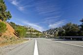 Countryside road in Despenaperros national park in Northern Anda — Stock Photo