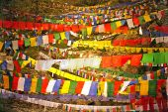 Bunte buddhistische Gebetsfahnen — Stockfoto