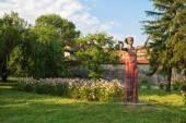 Beautiful statue of a young woman in Vidin, Bulgaria — Stock Photo