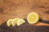 Chia seeds with lemon slices — Stock Photo