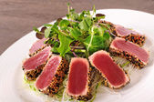 Seared tuna salad — Stock Photo