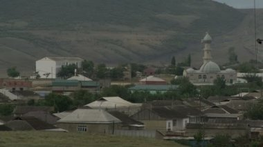 Mosque in the Northern Caucasus mountains — Stock Video