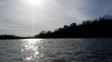 Spring Lake, trees, houses, ripples , timelapse — Stock Video