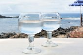 Two Glasses Of Watter on The Table With Sea Background — Stock Photo