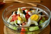 Fresh spring mixed vegetable salad with eggs — Stock Photo