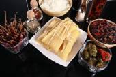 桌上的传统拉丁菜肴。 — 图库照片