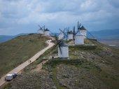 White windmills at Consuegra — Stock Photo