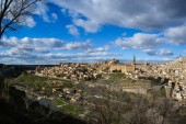 View of Toledo from bank of the river Tajo — Stockfoto