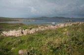 Ancient Greek ruins at island of Delos — Stock Photo