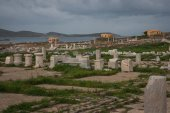 Ancient Greek ruins at island of Delos — ストック写真