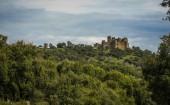 Ruins of a castle at Salvatiera de los Barros — Stock Photo