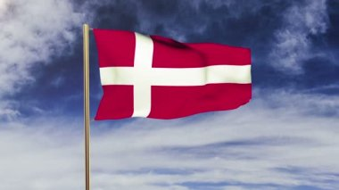 Denmark flag waving in the wind. Looping sun rises style.  Animation loop. Green screen, alpha matte. Loopable animation — Stok video