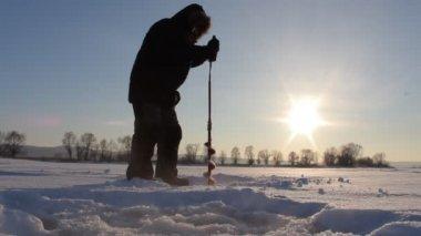 Winter fishing — Stock Video