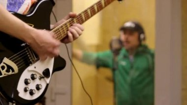 Music recording and playing guitar — Stock Video
